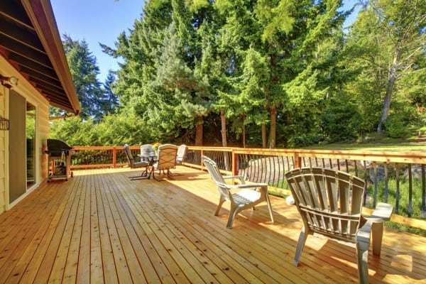 Finishing Your Deck with Stain
