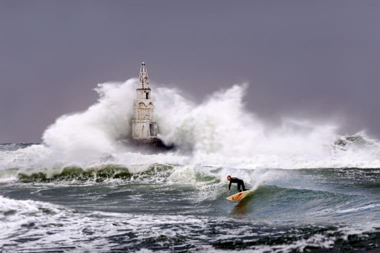 extreme water sport surfing
