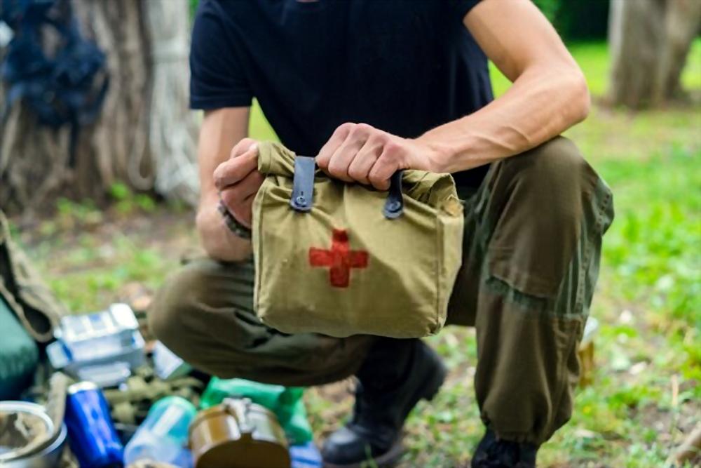 Bushcraft Essentials List first aid kit