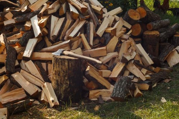 How to Utilize a Firewood Cart